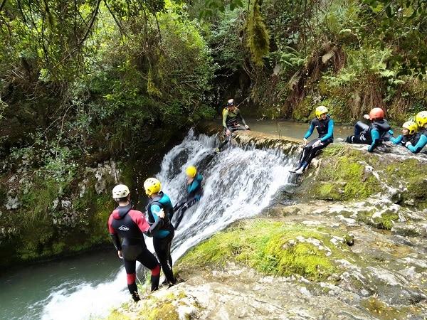 Descenso barrancos campamento multiaventura Asturias